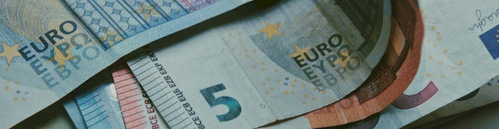 Türkiye'de Yerleşik Kişilerin Avrupa İmar ve Kalkınma Bankası ve Uluslararası Finans Kurumundan Sağladıkları Kredilerde Kaynak Kullanımını Destekleme Fonu Kesintisi Oranı 0% Olarak Belirlenmiştir